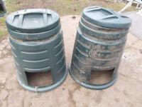 2x Round Compost Bins