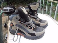 MENS WATERPROOF HIKING BOOTS BRAND NEW SIZE 11 COST £125 !!