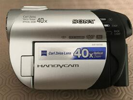 Sony DCR-DVD106E Handycam - Black/Silver - immaculate condition.
