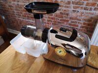 VitalMax Oscar 900 cold press juicer for sale