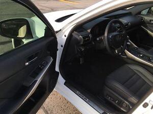2015 Lexus IS 250 AWD 6A 1 Owner Oakville / Halton Region Toronto (GTA) image 10