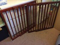 Lindam wooden extendable gates x2