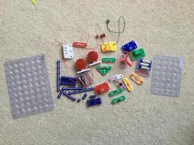 Child's snap electronics set