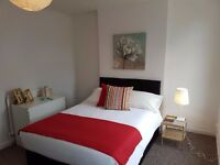 LARGE DOUBLE ROOM FOR RENT (6 MINS WALK TO FOREST GATE / WANSTEAD PK STATION)