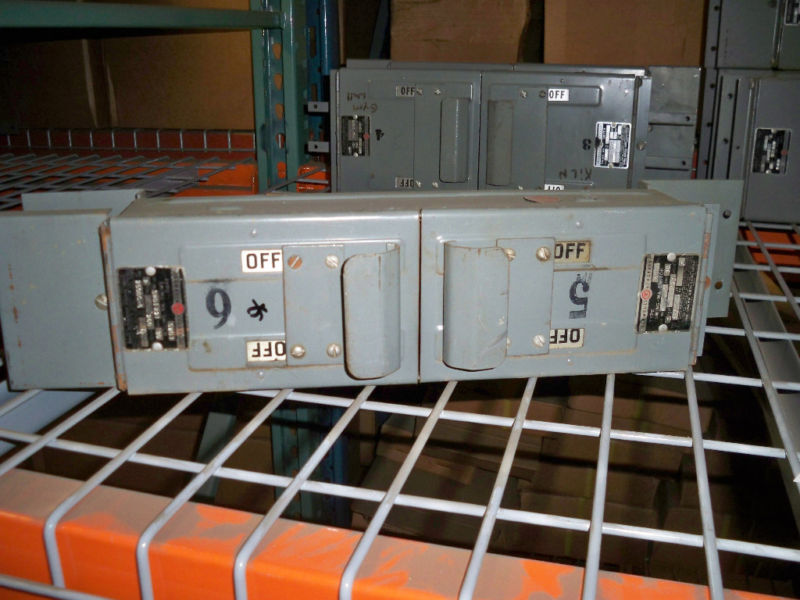 Trumbull Swd1221 30a Twin 2p 250v Fused Panel Switch