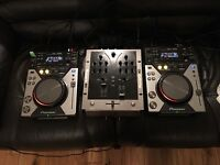Pioneer CDJ-400 pair & Numark M3 mixer