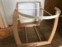 Moses basket rocking stand