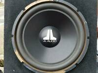 Jl Audio 15w3 v2 sub in box