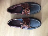 Gents leather boat style shoes