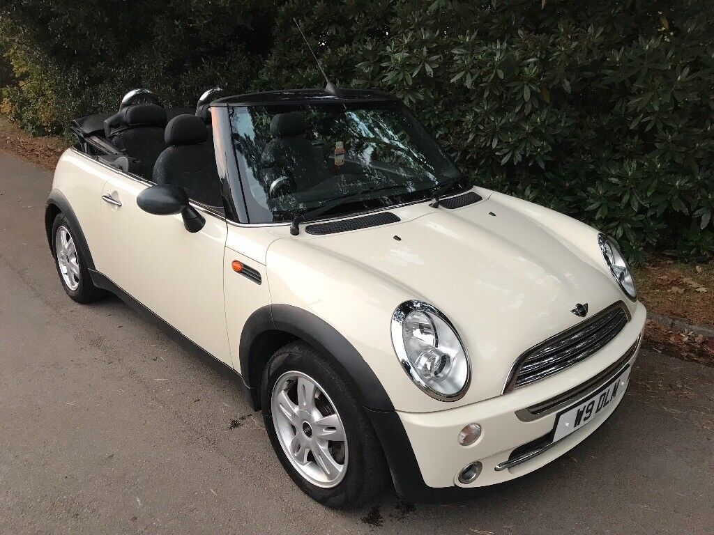 Mini One convertible 1.6 pepper white 2006 LOW MILAGE very good condition