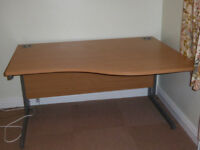 Office desk good condition