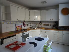 Abbey Road - Bright and Spacious 2 Bedroom Conversion Flat