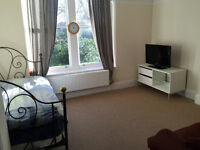 Large Furnished Double En-Suite Room in Clifton - all inclusive price
