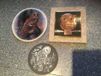 3 X OWL plaques/pictures being sold as a bundle for 1 price of £5. IMMACULATE CLEAN CONDITION.