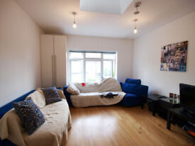 A stunning first floor 1 bedroom flat located on East Finchely High Road
