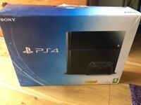 Playstation 4 500gb, 2 ctrl with docking, 5 games