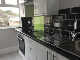 2 Bed House to Rent - Weston Mill