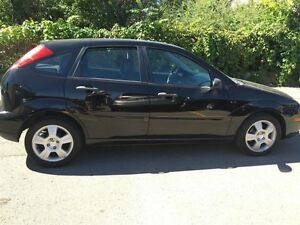 2005 Ford Focus ZX5 SES LEATHER / SUNROOF Kitchener / Waterloo Kitchener Area image 7