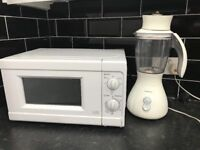 Microwave Oven & Blender less than 1 year old in great condition