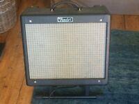 Fender Blues Junior III - 15 Watt Valve Amp with Stand