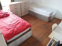 **BIG ROOM SHARE IN CENTRE OF FULHAM**