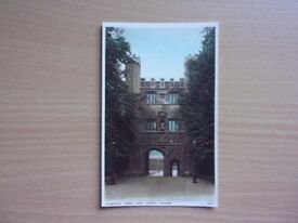 GREAT GATE, TRINITY COLLEGE, CAMBRIDGE. TINTED COLOUR POSTCARD PRINTED BY PHOTOCHROM. EXCELLENT.