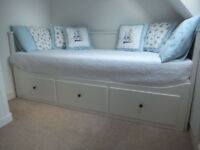 WHITE IKEA HEMNES DAY BED WITH 2 MATTRESSES / DAYBED/ SOFA BED