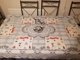 *GLASS & SCROLLED WROUGHT IRON DINING ROOM & 6 CHAIRS*