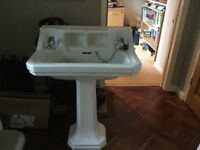 Wash Basin in good condition in Oxford. Buyer collects.
