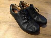 Clarks unstructured shoes size 5