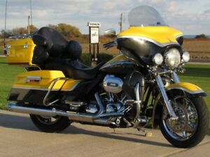 2012 Harley-Davidson FLHTCUSE4 CVO Ultra Classic Electra Glide