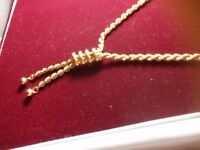 9 carat Gold Necklace For Sale
