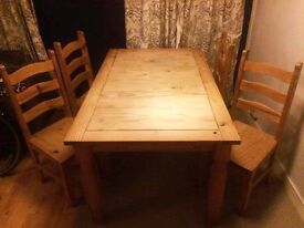 SOLID PINE DINING TABLE WITH SET OF 4 CHAIRS