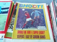 SHOOT magazines From 1971 & 1990 48 in total. Very Good condition (George Best, etc)
