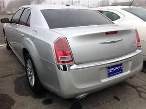 2012 Chrysler 300 Touring $76.14 A WEEK + TAX OAC - BAD CREDIT A Windsor Region Ontario image 4