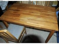 Oak dining table and 4 chairs £50 ono