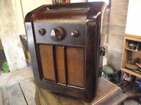 Vintage Ekco bakerlite radio. 1936 model number EW 87
