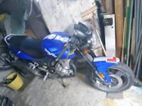 Sinnis stealth 125 motorcycle
