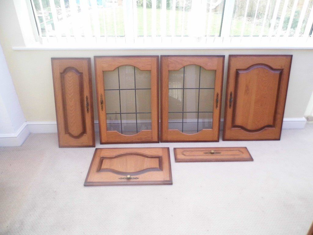 KITCHEN UNIT DOORS AND DRAWERS