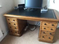 Very special traditional Directors desk, large