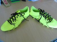 FOOTBALL BOOTS SIZE 10.