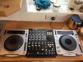 2 CDJ-800mk2 with numark 5000fx mixer