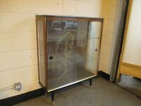RETRO GLASS DISPLAY CABINET DRINKS CABINET WITH TWO SHELVES AND GOLD DECORATION FREE DELIVERY