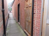 ONE BEDROOM STUDIO FLAT TO RENT ** WATER RATES INCLUDED ** LADYPOOL ROAD ** CLOSE TO MOSELEY VILLAGE