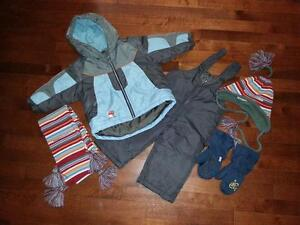 Virage boy's snowsuit & accessories Size 12 months Gatineau Ottawa / Gatineau Area image 1