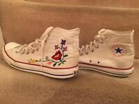 Converse and High-heels all is size 8