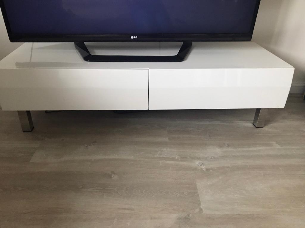 White gloss tv unit with drawers