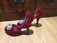 Karen Millen Red satin heels size 5 (38)