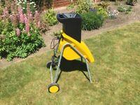A ALKO NewTec 1800w Garden Shredder. Very good condition.