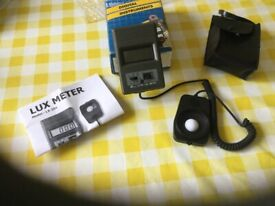 Lutron LX-101 digital lux meter 0-5000 lux with 3 scales